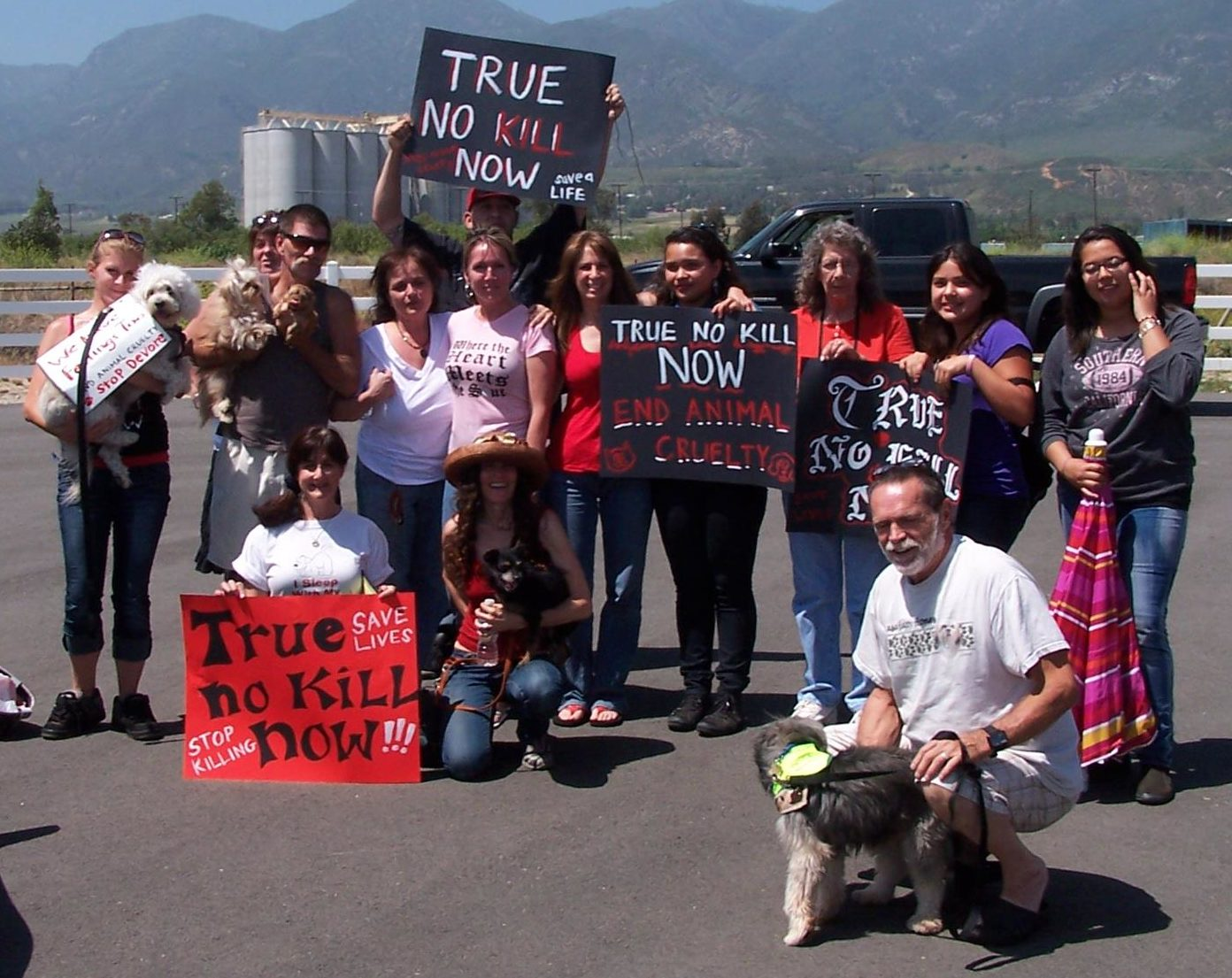 OBOL protests Devore Shelter for their inhumane practices.